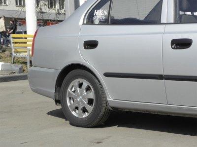 Акцент. Диски Racing Wheels R13. Шины Kumho KH-17